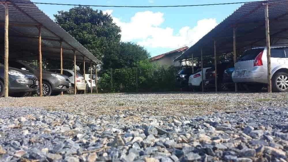 Vagas cobertas do estacionamento Pátio Confins
