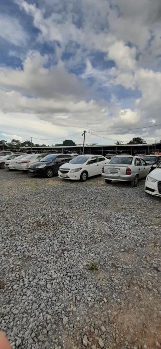 Visão da área descoberta do estacionamento Pátio Confins