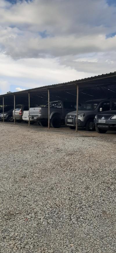 Visão geral do estacionamento próximo ao aeroporto de confins